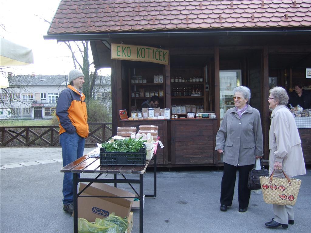 Ekološka tržnica Kamnik (april 2011)